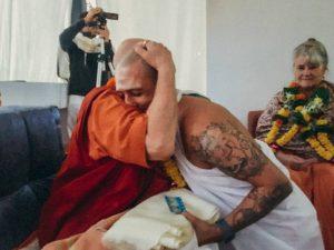 Swami Shankarananda and Nataraj Chaitanya during the initiation ceremony