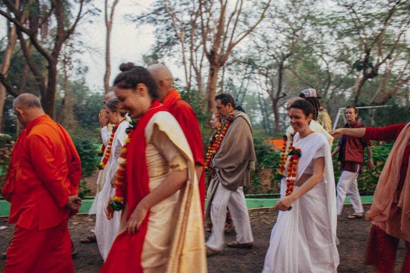 Yogi Sri with other retreat participants in Ganeshpuri, 2019